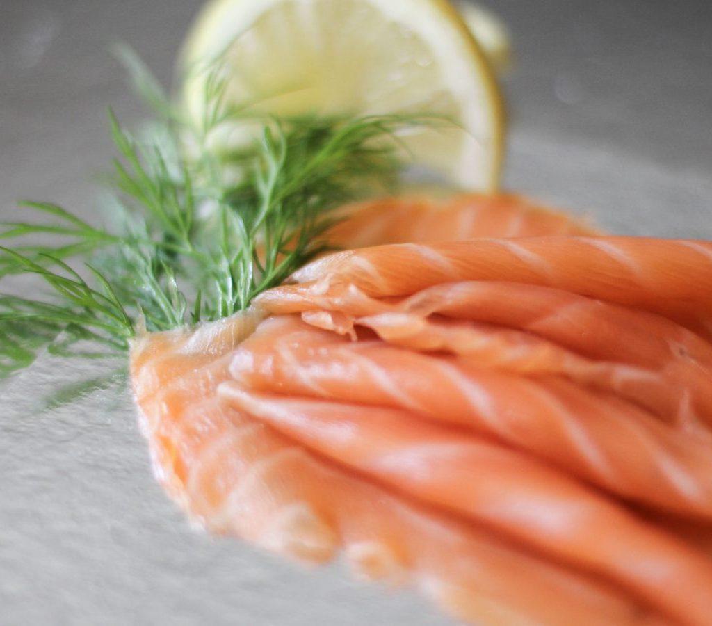 saumon fumé fait par nos poissonniers, Saumon fumé des iles Féroés, Saumon fumé Label Rouge d'Ecosse